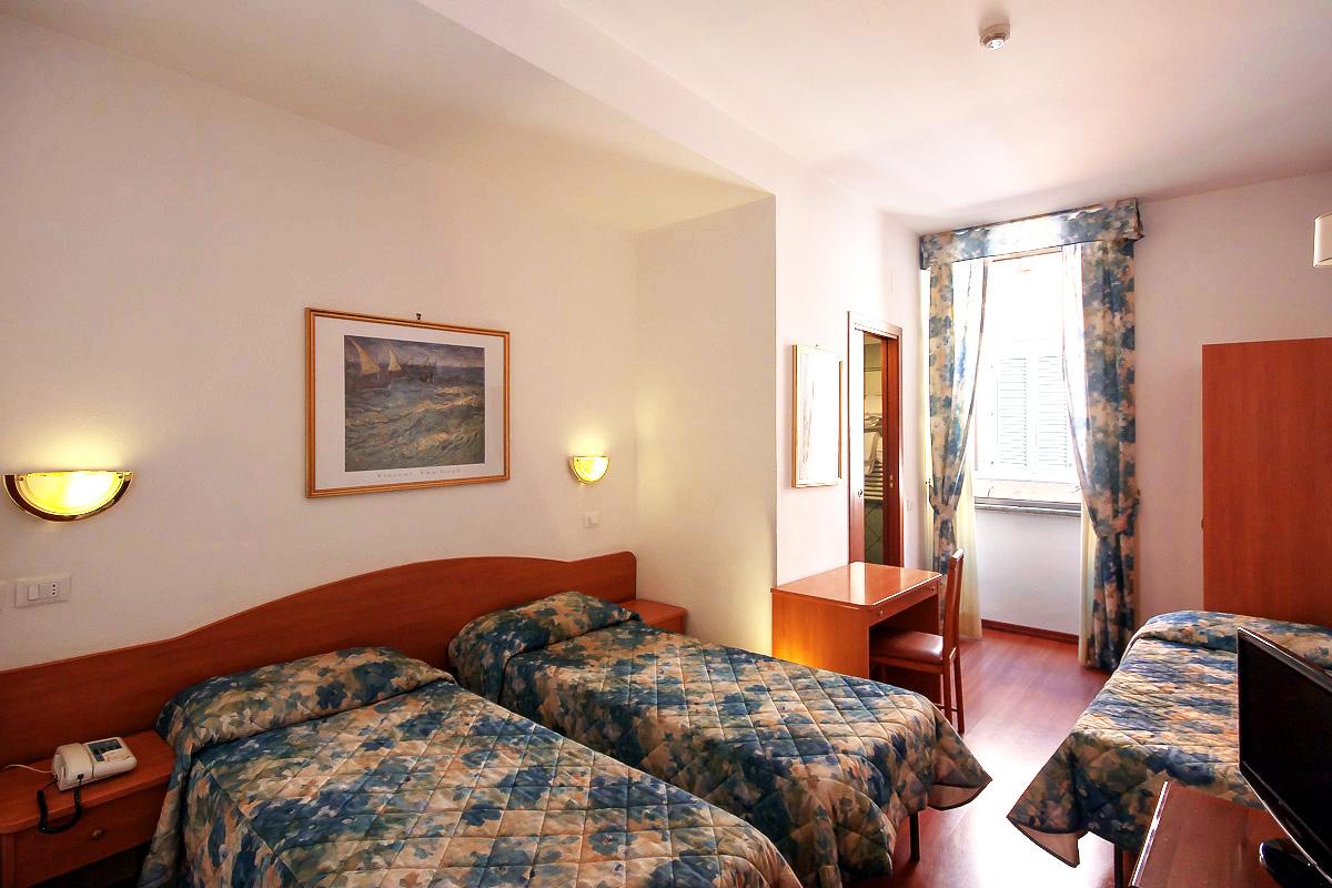 Camere spaziose e familiari hotel roma centro camere for Hotel roma centro