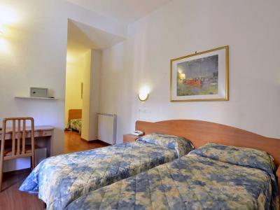 Triple Room 3 Star Hotel Tirreno in the Centre of Rome