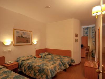 Camera Tripla Hotel Tirreno Tre Stelle a Roma Centro